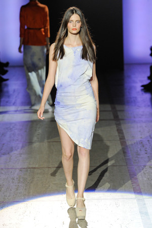 Показ ELLE's Fashion Next коллекции сезона Весна-лето 2013 года prêt-à-porter - www.elle.ru - Подиум - фото 411406