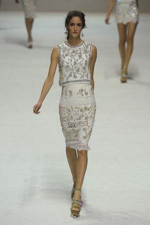 Показ Dolce & Gabbana коллекции сезона Весна-лето 2011 года Prêt-à-porter - www.elle.ru - Подиум - фото 183861