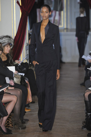 Показ Bouchra Jarrar коллекции сезона Весна-лето 2011 года haute couture - www.elle.ru - Подиум - фото 214863