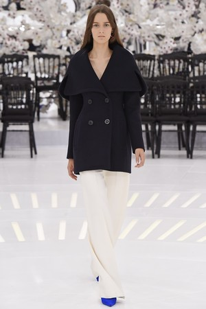 Показ Christian Dior коллекции сезона Осень-зима 2014-2015 года Haute couture - www.elle.ru - Подиум - фото 584656