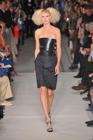 Показ Lefranc Ferrant коллекции сезона Осень-зима 2009-2010 года haute couture - www.elle.ru - Подиум - фото 88059