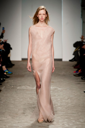 Показ Vionnet коллекции сезона Весна-лето 2014 года Haute couture - www.elle.ru - Подиум - фото 575042