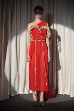 Показ Maison Martin Margiela коллекции сезона Весна-лето 2010 года haute couture - www.elle.ru - Подиум - фото 139137