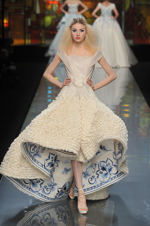 Показ Christian Dior коллекции сезона Весна-лето 2009 года Haute couture - www.elle.ru - Подиум - фото 86382