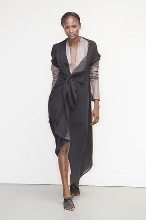 Показ Atelier Gustavo Lins коллекции сезона Осень-зима 2010-2011 года Haute couture - www.elle.ru - Подиум - фото 167276