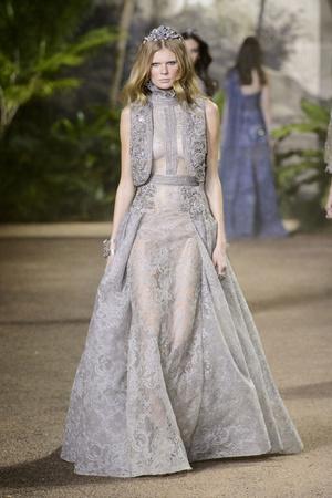 Показ Elie Saab коллекции сезона Весна-лето  2016 года Haute couture - www.elle.ru - Подиум - фото 602889