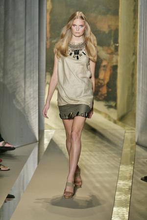 Показ Donna Karan коллекции сезона Весна-лето 2009 года Prêt-à-porter - www.elle.ru - Подиум - фото 78174