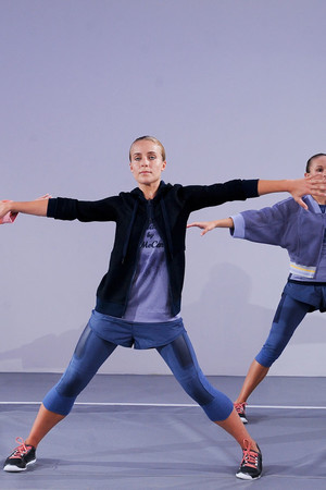 Показ Adidas by Stella McCartney коллекции сезона Весна-лето 2014 года Prêt-à-porter - www.elle.ru - Подиум - фото 566997