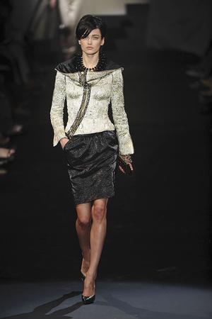 Показ Giorgio Armani Privé коллекции сезона Осень-зима 2009-2010 года haute couture - www.elle.ru - Подиум - фото 87700