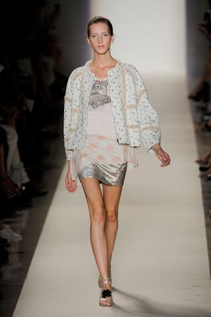 Показ Vanessa Bruno коллекции сезона Весна-лето 2012 года prêt-à-porter - www.elle.ru - Подиум - фото 316985