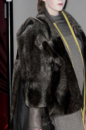 Показ Atelier Gustavo Lins коллекции сезона Весна-лето 2011 года haute couture - www.elle.ru - Подиум - фото 216683