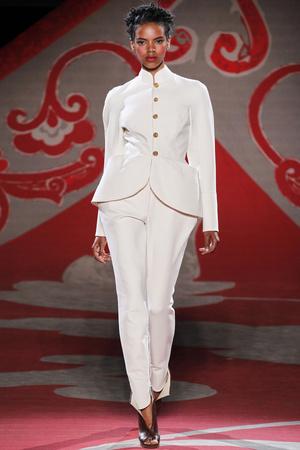 Показ Ulyana Sergeenko коллекции сезона Осень-зима 2012-2013 года haute couture - www.elle.ru - Подиум - фото 404219
