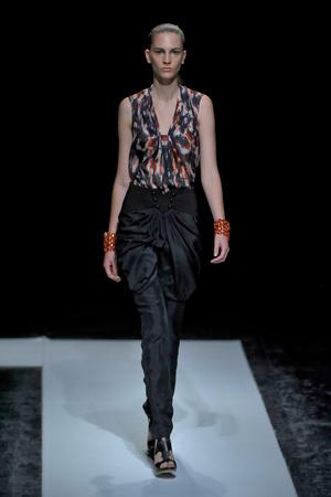 Показ Maxime Simoens коллекции сезона Осень-зима 2011-2012 года haute couture - www.elle.ru - Подиум - фото 278926