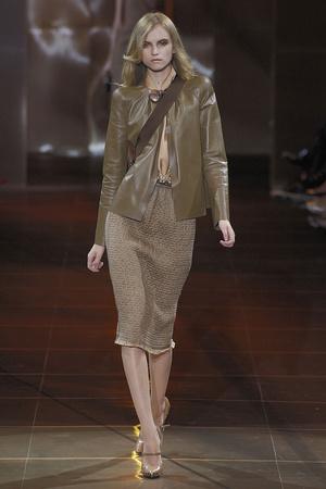 Показ Giorgio Armani Privé коллекции сезона Осень-зима 2010-2011 года haute couture - www.elle.ru - Подиум - фото 167644