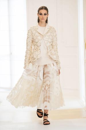 Показ Christian Dior коллекции сезона Осень-зима 2016-2017 года Haute couture - www.elle.ru - Подиум - фото 607090