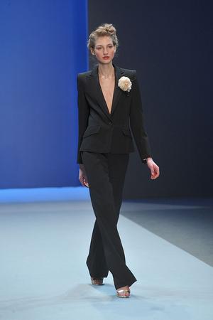 Показ Christophe Josse коллекции сезона Весна-лето 2010 года haute couture - www.elle.ru - Подиум - фото 137949