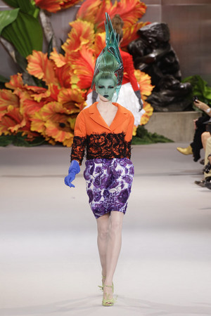 Показ Christian Dior коллекции сезона Осень-зима 2010-2011 года Haute couture - www.elle.ru - Подиум - фото 167443