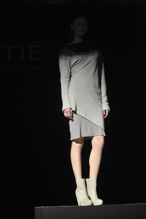 Показ Vic Matie коллекции сезона Осень-зима 2012-2013 года prêt-à-porter - www.elle.ru - Подиум - фото 359674