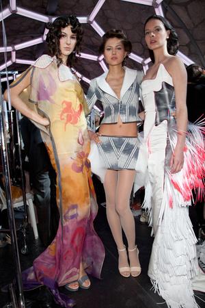 Показ Julien Fournie коллекции сезона Весна-лето 2012 года Haute couture - www.elle.ru - Подиум - фото 332002