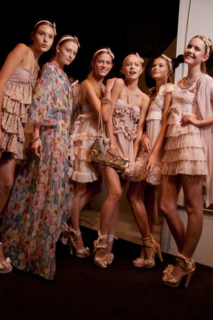 Показ Blugirl коллекции сезона Весна-лето 2011 года prêt-à-porter - www.elle.ru - Подиум - фото 185982