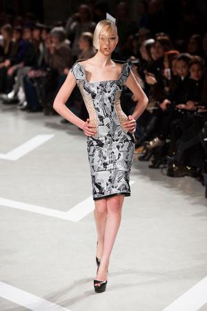 Показ Julien Fournie коллекции сезона Весна-лето 2013 года haute couture - www.elle.ru - Подиум - фото 479514