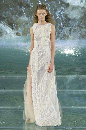 Показ Fendi коллекции сезона Осень-зима 2016-2017 года Haute couture - www.elle.ru - Подиум - фото 607467