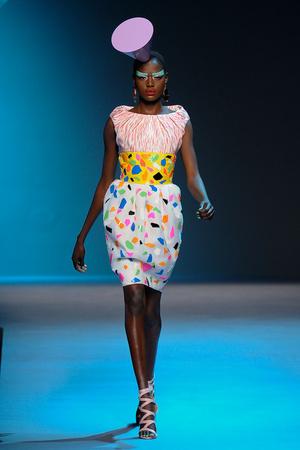 Показ Christian Dior коллекции сезона Осень-зима 2011-2012 года Haute couture - www.elle.ru - Подиум - фото 277093