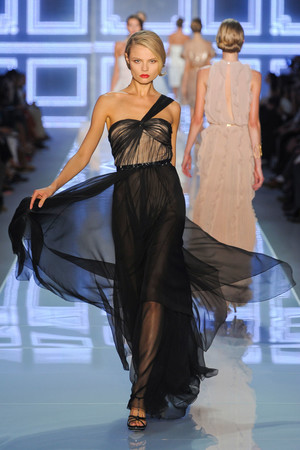 Показ Christian Dior коллекции сезона Весна-лето 2012 года prêt-à-porter - www.elle.ru - Подиум - фото 310573