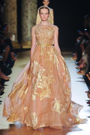 Показ Elie Saab коллекции сезона Осень-зима 2012-2013 года haute couture - www.elle.ru - Подиум - фото 404569