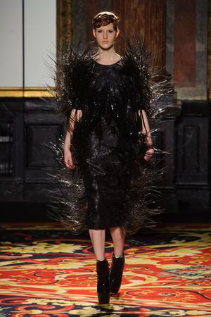 Показ  коллекции сезона Весна-лето 2013 года Haute couture - www.elle.ru - Подиум - фото 477475