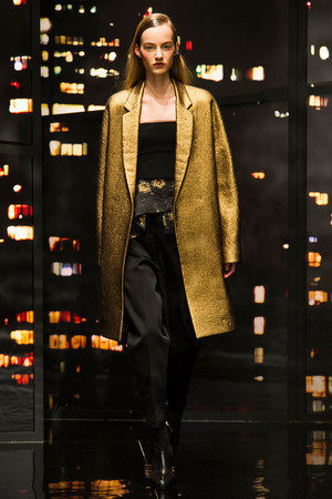 Показ Donna Karan New York коллекции сезона Осень-зима 2015-2016 года prêt-à-porter - www.elle.ru - Подиум - фото 593903