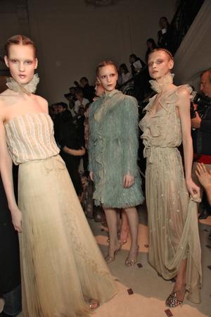 Показ Valentino коллекции сезона Весна-лето 2011 года Haute couture - www.elle.ru - Подиум - фото 218278