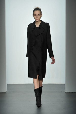 Показ Calvin Klein коллекции сезона Осень-зима 2009-2010 года prêt-à-porter - www.elle.ru - Подиум - фото 89321