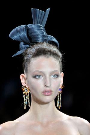 Показ Giorgio Armani Privé коллекции сезона Осень-зима 2011-2012 года haute couture - www.elle.ru - Подиум - фото 277716