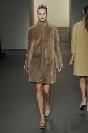 Показ Calvin Klein коллекции сезона Осень-зима 2011-2012 года prêt-à-porter - www.elle.ru - Подиум - фото 235145