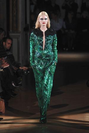 Показ Givenchy коллекции сезона Весна-лето 2010 года haute couture - www.elle.ru - Подиум - фото 138527