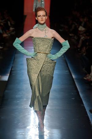 Показ Jean Paul Gaultier коллекции сезона Осень-зима 2013-2014 года Haute couture - www.elle.ru - Подиум - фото 556241