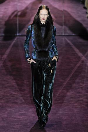 Показ Gucci коллекции сезона Осень-зима 2012-2013 года Prêt-à-porter - www.elle.ru - Подиум - фото 359297