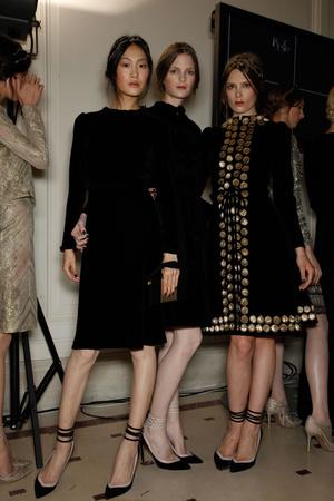 Показ Valentino коллекции сезона Осень-зима 2011-2012 года haute couture - www.elle.ru - Подиум - фото 279011