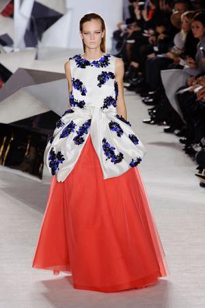 Показ Giambattista Valli коллекции сезона Весна-лето 2014 года Haute couture - www.elle.ru - Подиум - фото 574305