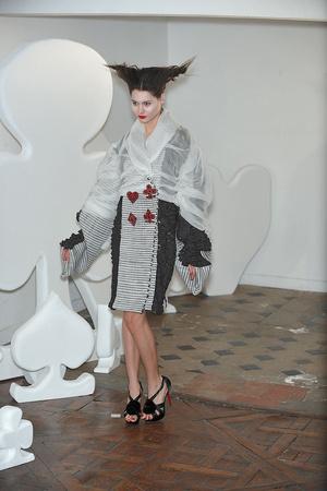 Показ On Aura Tout Vu коллекции сезона Весна-лето 2010 года haute couture - www.elle.ru - Подиум - фото 138766