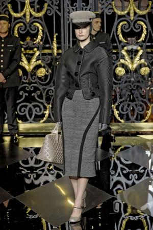 Показ Louis Vuitton коллекции сезона Осень-зима 2011-2012 года prêt-à-porter - www.elle.ru - Подиум - фото 255488