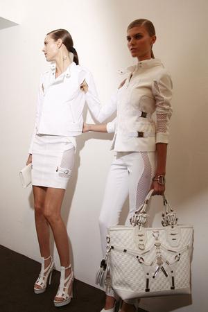 Показ Gucci коллекции сезона Весна-лето 2010 года prêt-à-porter - www.elle.ru - Подиум - фото 116588