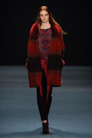 Показ Vivienne Tam коллекции сезона Осень-зима 2012-2013 года Prêt-à-porter - www.elle.ru - Подиум - фото 348653