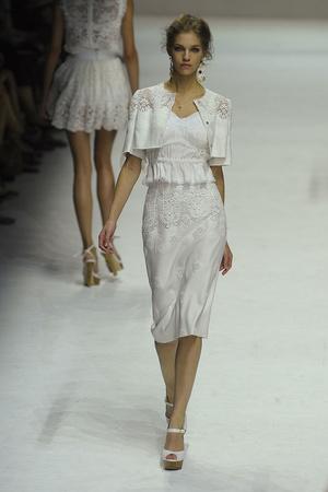 Показ Dolce & Gabbana коллекции сезона Весна-лето 2011 года Prêt-à-porter - www.elle.ru - Подиум - фото 183864