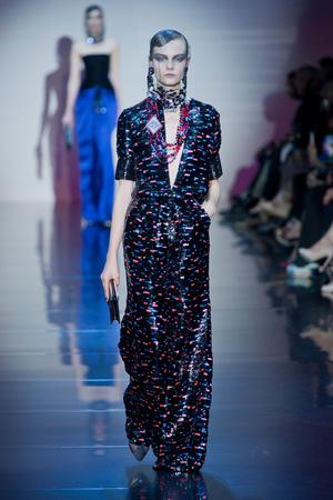 Показ Giorgio Armani Privé коллекции сезона Осень-зима 2012-2013 года haute couture - www.elle.ru - Подиум - фото 404193
