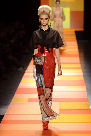 Показ Jean Paul Gaultier коллекции сезона Весна-лето 2013 года Haute couture - www.elle.ru - Подиум - фото 480665