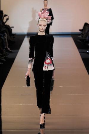 Показ Giorgio Armani Privé коллекции сезона Осень-зима 2011-2012 года haute couture - www.elle.ru - Подиум - фото 277578