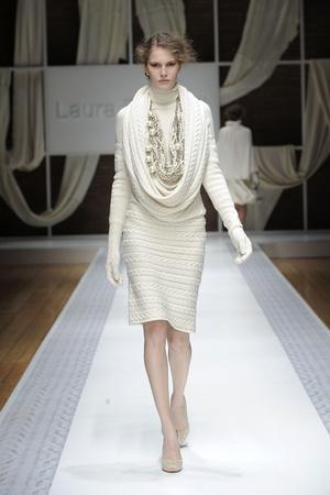Показ Laura Biagiotti коллекции сезона Осень-зима 2010-2011 года prêt-à-porter - www.elle.ru - Подиум - фото 153286