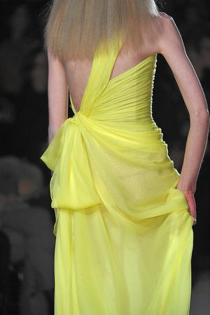 Показ Valentino коллекции сезона Весна-лето 2010 года Haute couture - www.elle.ru - Подиум - фото 139257